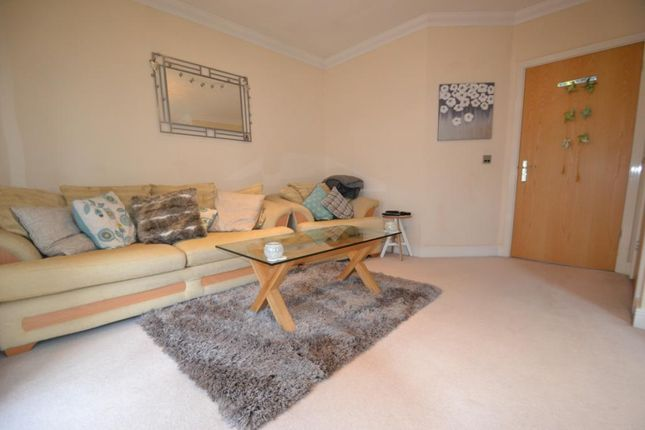 Lounge of Summer Crossing, Thames Ditton KT7