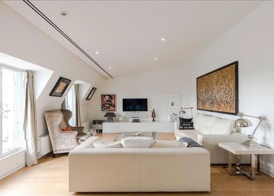 Thumbnail Flat for sale in Connaught Place, London