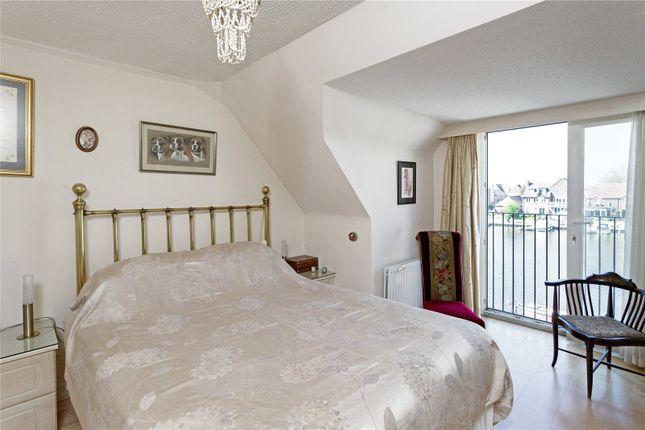 Master Bedroom of North Quay, Abingdon OX14