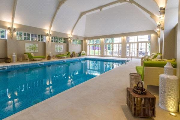 Thumbnail Flat for sale in Coopers Hill Lane, Englefield Green, Egham, Surrey