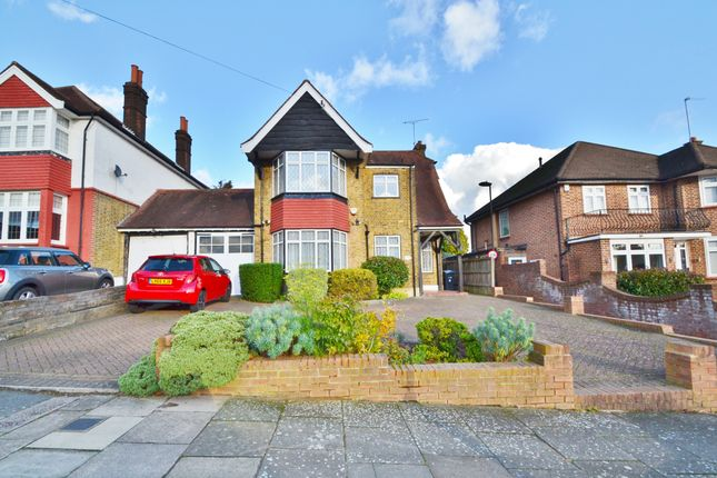 Thumbnail Detached house for sale in Wades Hill, Winchmore Hill