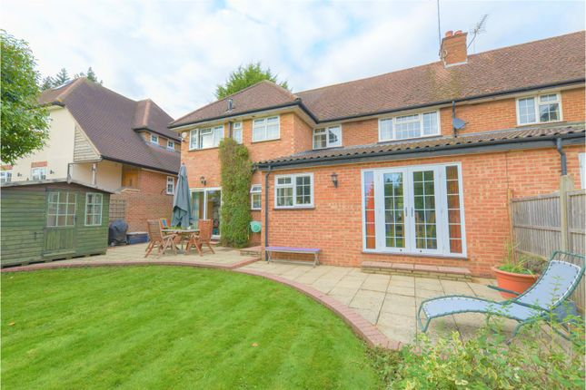Thumbnail Semi-detached house for sale in Canonsfield, Welwyn