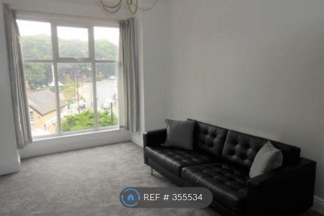 Thumbnail Flat to rent in Oakwood Avenue, Leeds