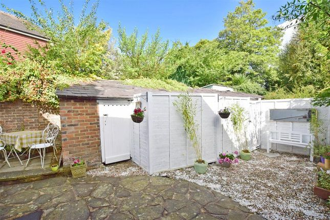 Thumbnail Cottage for sale in Church Terrace, Henfield, West Sussex