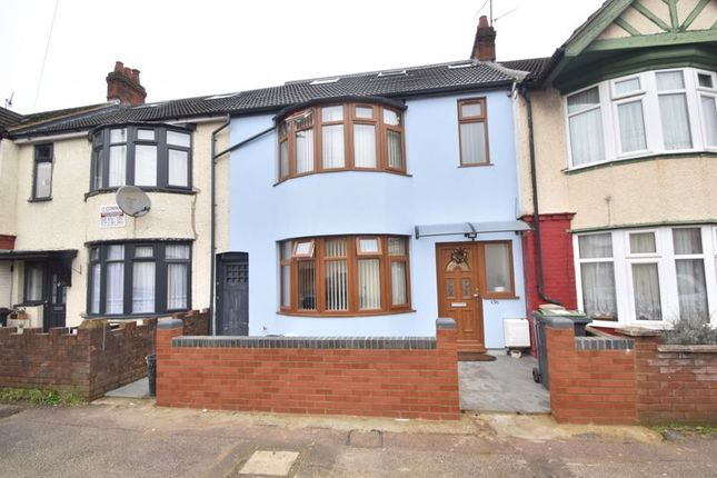 3 bed terraced house for sale in Selbourne Road, Luton LU4