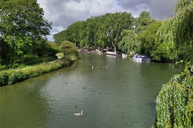 Picture No. 15 of Burford Road, Lechlade GL7