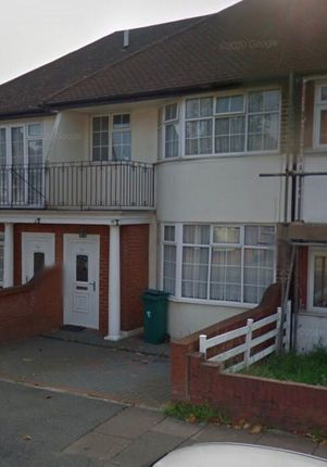 3 bed terraced house to rent in Hanover Gardens, Ilford, London IG6