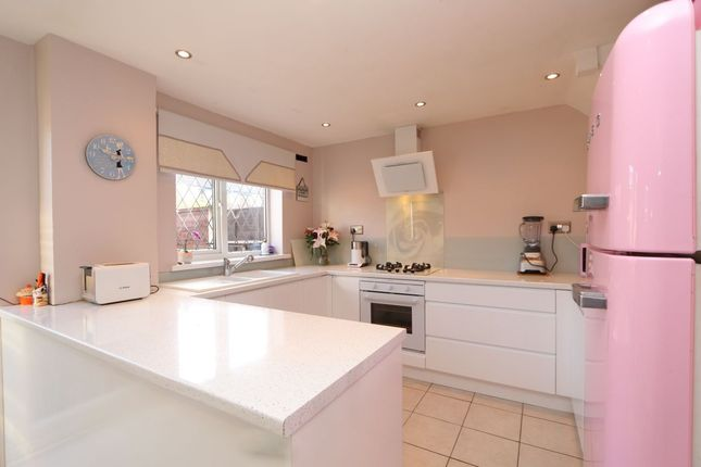 Thumbnail Terraced house for sale in Gainsborough Walk, Hyde