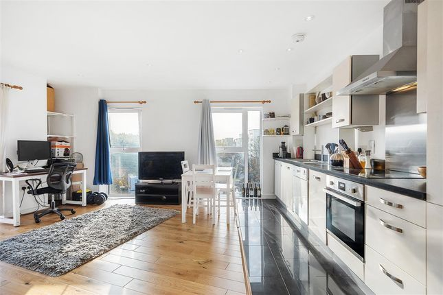 Thumbnail Flat for sale in Brickfield Road, London