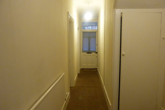 Thumbnail Flat to rent in Oswald Terrace, Temple Road, London