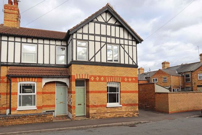 Thumbnail End terrace house to rent in Queen Street, Stamford