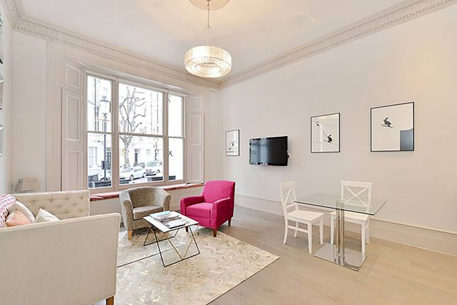 Flat for sale in Linden Gardens, Notting Hill Gate, London