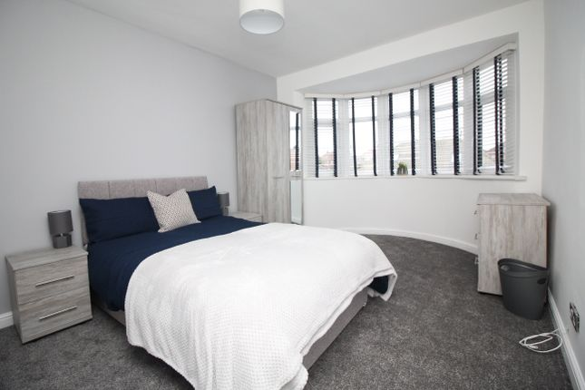 6 bed shared accommodation to rent in Room 3, Kingsway, Garforth LS25