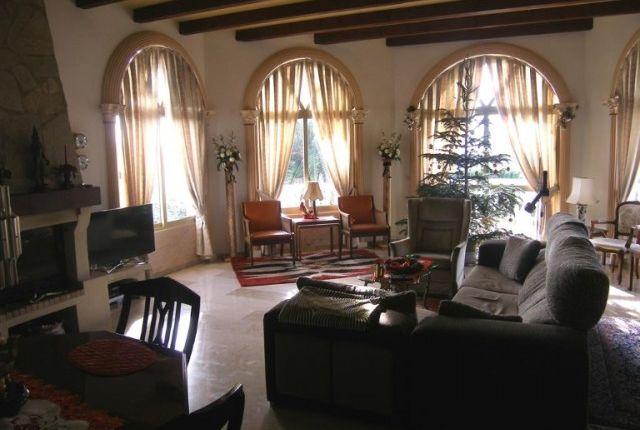 1 (6) Living Room