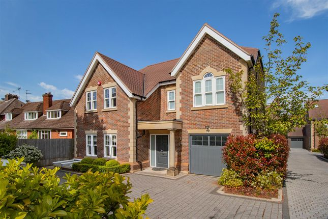 Thumbnail Detached house to rent in Spencer Close, Radlett