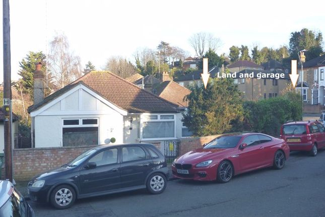 Thumbnail Bungalow for sale in Abbey Crescent, Belvedere