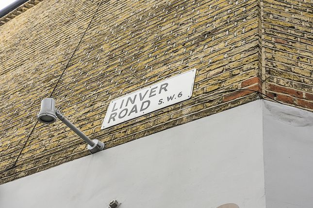 Thumbnail Property to rent in Linver Road, London