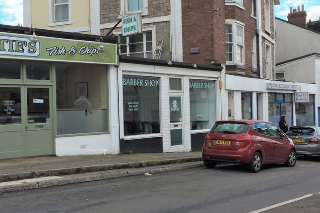Retail premises to let in Princes Road, Torquay