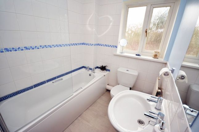 Family Bathroom of Burges Place, Grangetown, Cardiff CF11