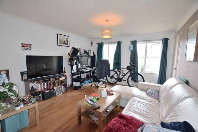 Maisonette for sale in Berrydale Road, Hayes, Middlesex