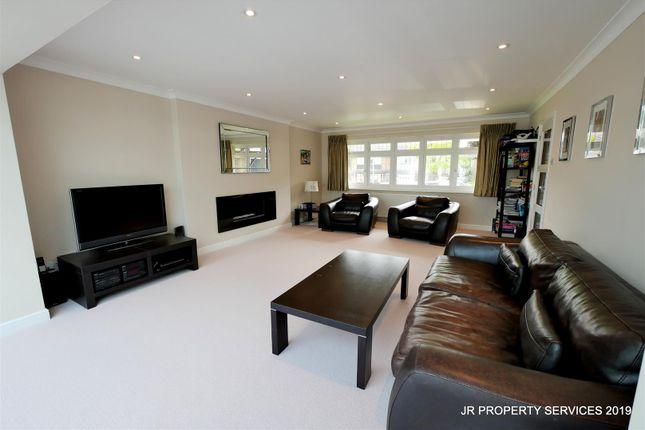 Living Room:- of Starling Lane, Cuffley, Potters Bar EN6