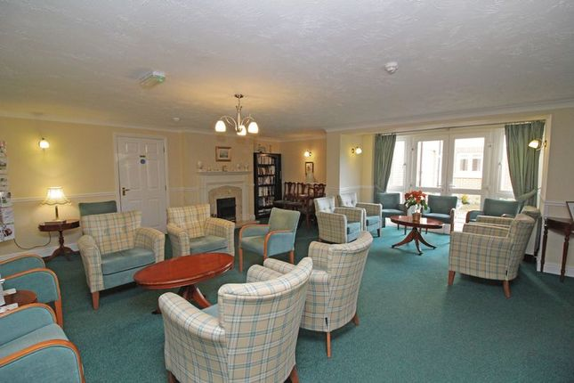Communal Lounge of Ross Court, Rugby CV21