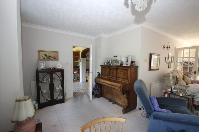 Picture No. 05 of Sauncey Avenue, Harpenden, Hertfordshire AL5