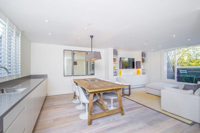 3 bed flat for sale in Porchester Square, London