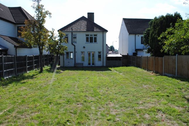Thumbnail Detached house for sale in Colchester Road, Harold Wood, Romford