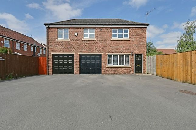 Thumbnail Flat for sale in Midway Grove, Hull