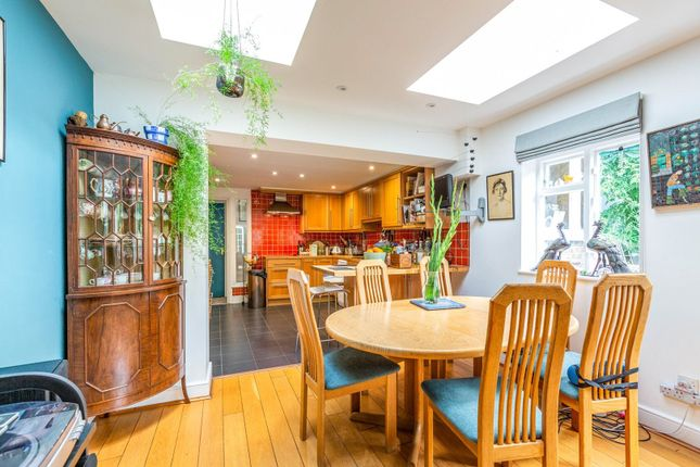 Dining Area of Park Avenue, London N22