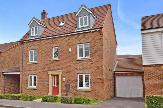 Thumbnail Detached house for sale in Tunbridge Way, Ashford, Kent