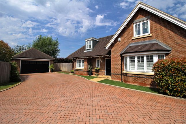 Thumbnail Detached house for sale in Rufwood, Crawley Down, Crawley