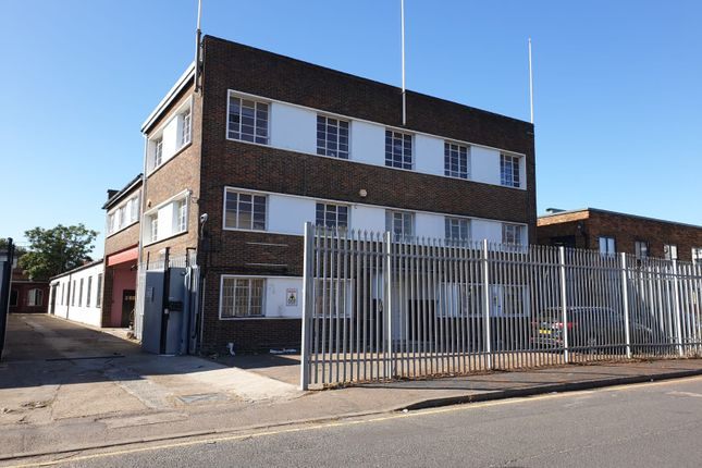 Thumbnail Industrial to let in Lyon Road, Walton On Thames