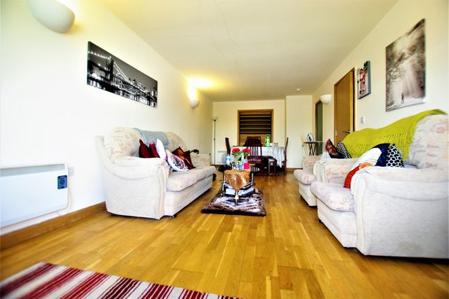 Thumbnail Flat for sale in Stone Gate House, Bradford