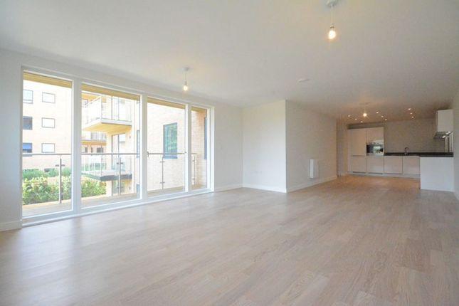 Thumbnail Flat to rent in Old Bracknell Lane West, Bracknell