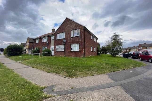 2 bed flat to rent in Gaywood Drive, Newbury RG14