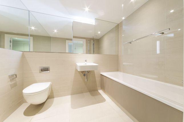 Bathroom of Hudson Building, Deals Gateway, Deptford, London, London SE10