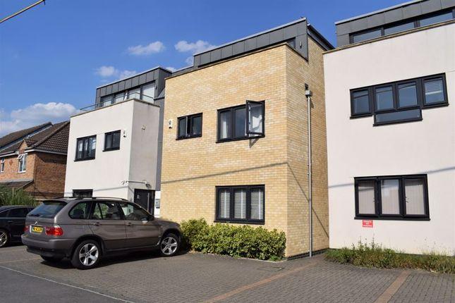 Thumbnail Room to rent in Blenheim Road, Kidlington