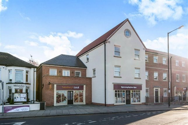 2 bed flat to rent in High Street, Bawtry, Doncaster DN10