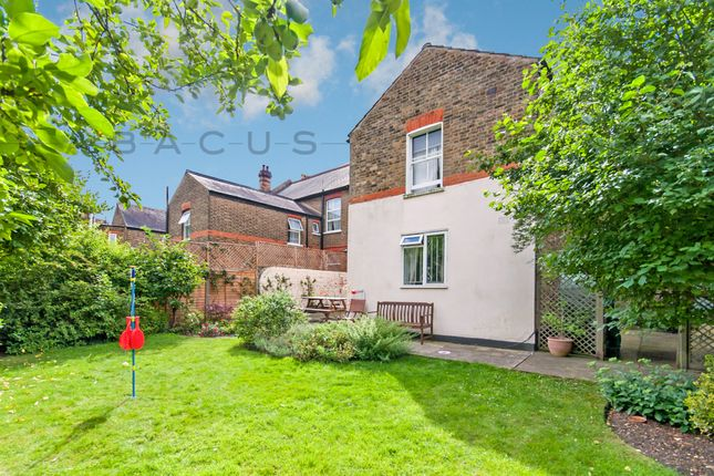 Thumbnail Flat to rent in Walm Lane, Willseden Green