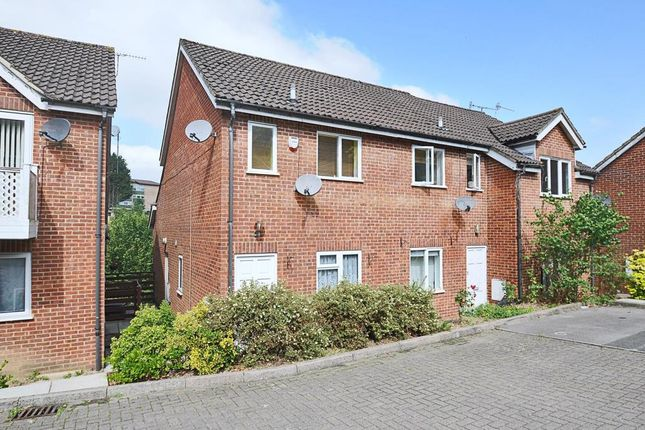 Thumbnail Maisonette to rent in Carrington Road, High Wycombe