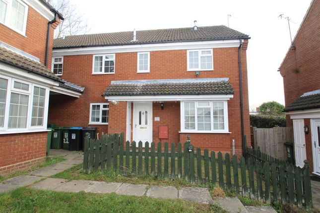 Thumbnail Property to rent in Thistle Close, Hemel Hempstead