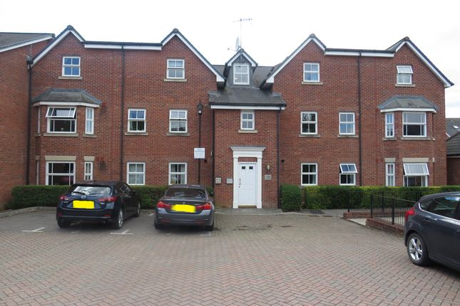 1 bed flat for sale in Spire View, Salisbury SP2