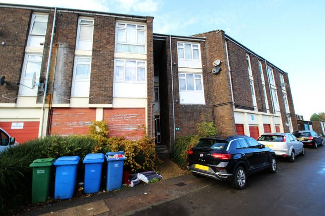 Thumbnail Flat for sale in Peterswood, Harlow, Essex