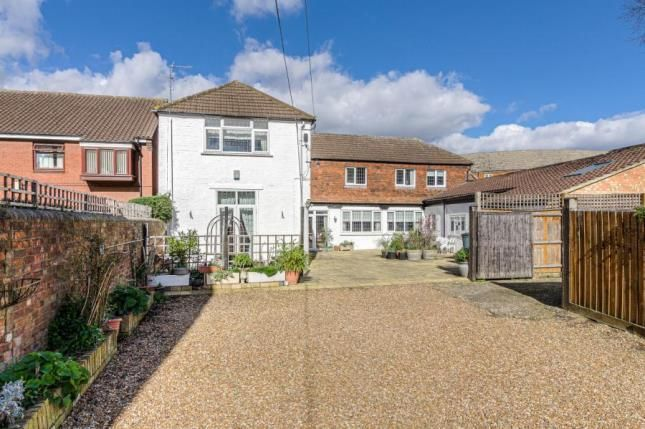 Thumbnail Detached house for sale in Cardington Road, Bedford, Bedfordshire