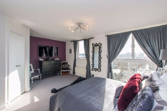Master Bedroom of Asher Way, Wapping E1W