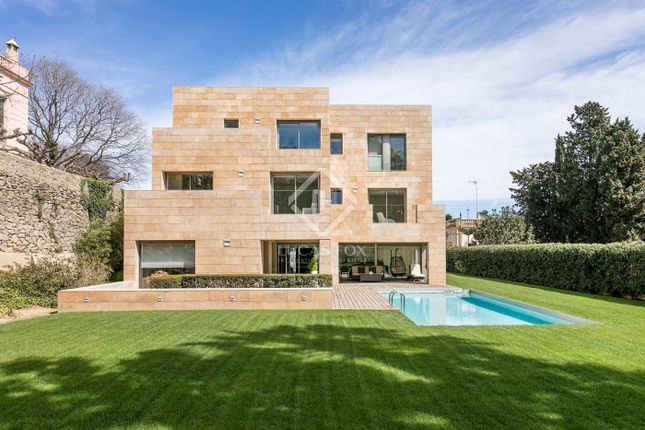 Thumbnail Villa for sale in Spain, Barcelona, Barcelona City, Pedralbes, Bcn9752
