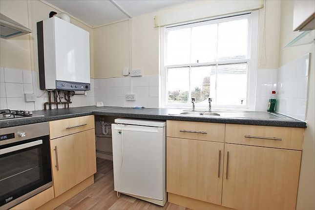 1 bed flat to rent in Lyndhurst Road, Broadwater, Worthing BN11