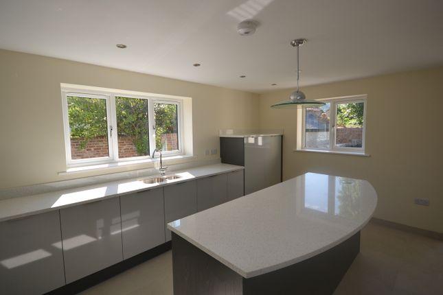 Kitchen View 4 of Llwyn Onn, Abergele LL22